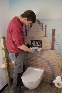 Die MEISTER DER ELEMENTE übergeben das fertig renovierte Bad zum vereinbarten Zeitpunkt.